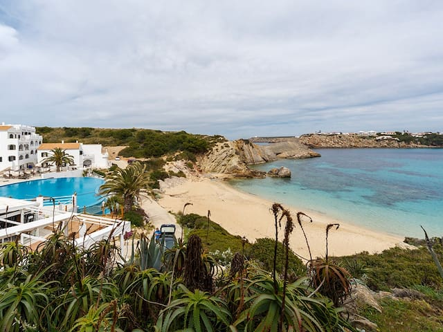 Beach apartment with direct access to the sea - Arenal d'en Castell - Flat