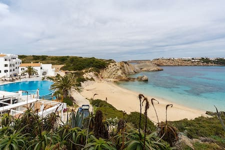 Beach apartment with direct access to the sea - Arenal d'en Castell - 公寓