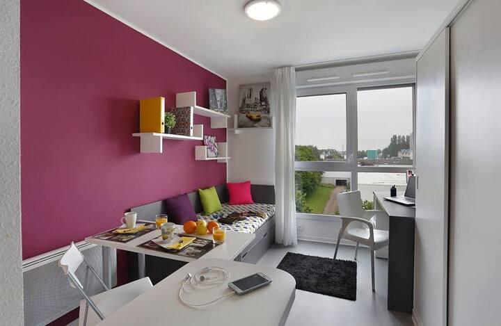 studio dans résidence neuve avec lit double !!!