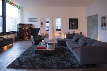 Beautiful Apartment/Loft in prime Downtown L.A.