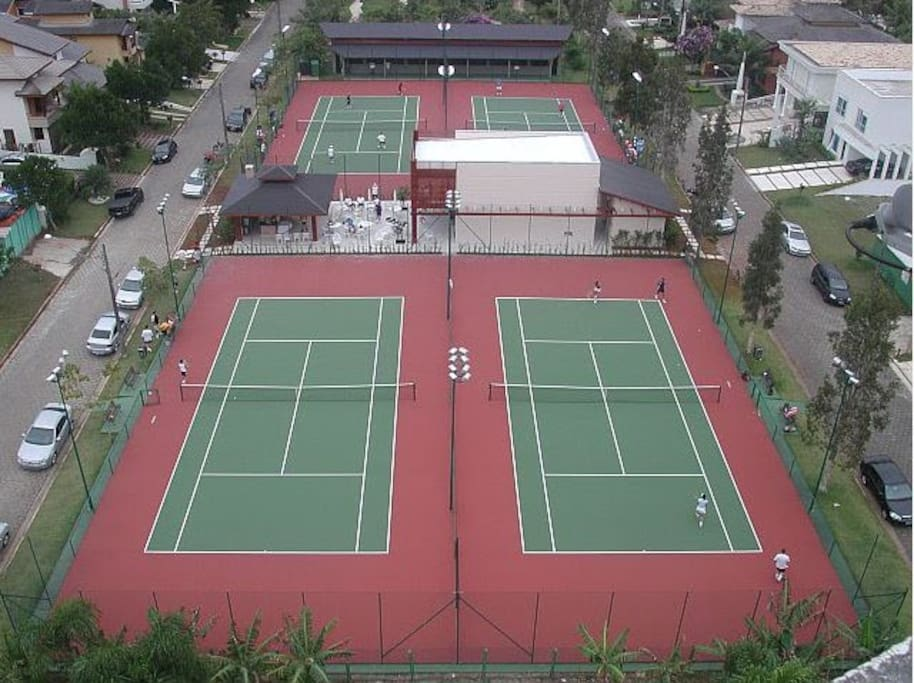 quadras de tenis, bocha e squash