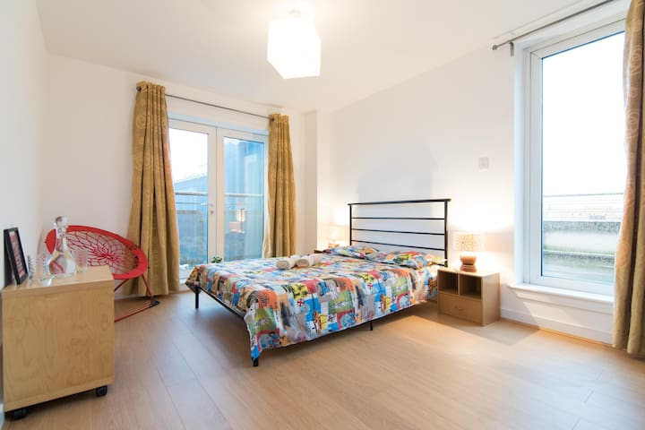 Eco-friendly en-suite with rooftop terrace - Glasgow - Apartamento