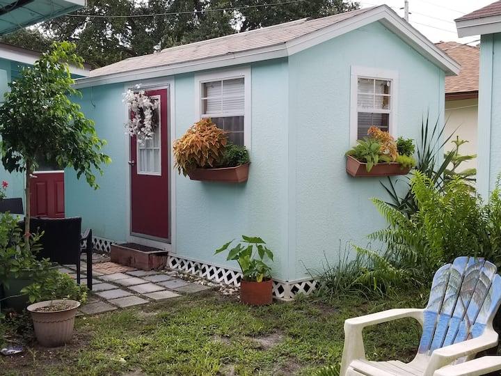 Sunshine Vacation - Tiny House