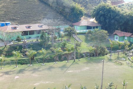 Chalé Capucho's Country Club - Cunha - Bungalo