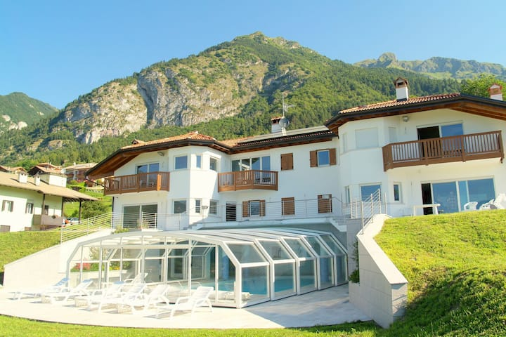 Apartment is located in a villa 700m above sea level.