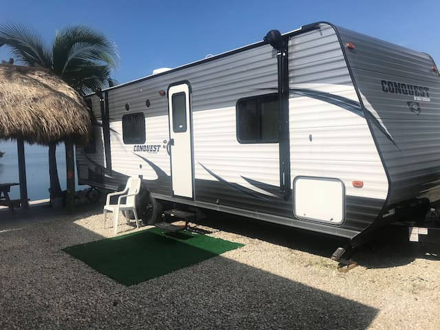 "RV on the water sleeps 4-7 ""Wahoo"""