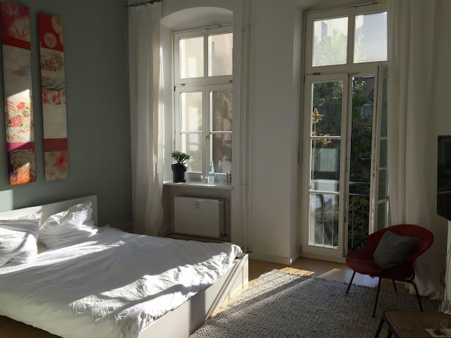 Schönes Zimmer am Kanal (Gräfekiez)