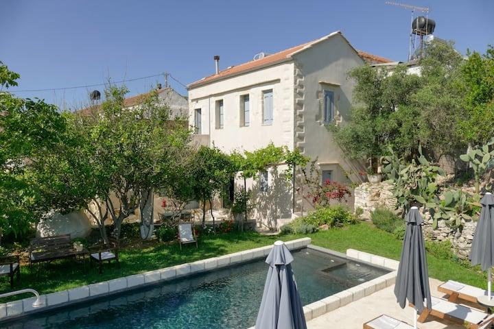 Boutique villa Kalliope-Unique3bed house in Crete!
