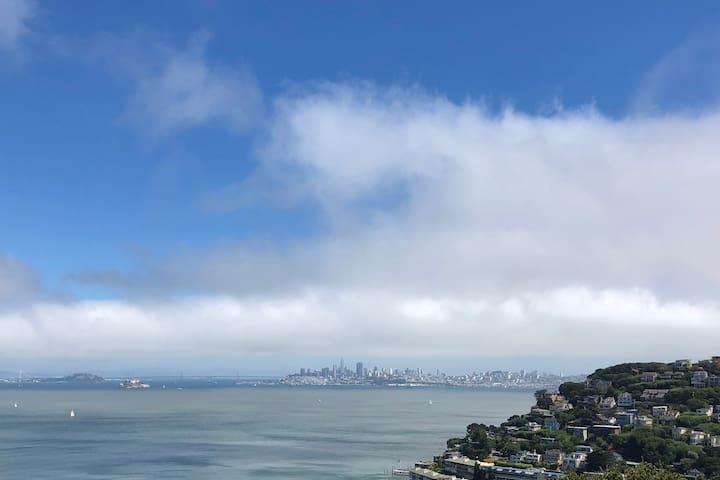 Breathtaking bay views!