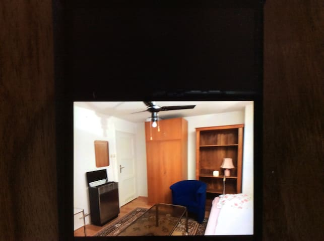 Zimmer zur Wiesn zur vermieten