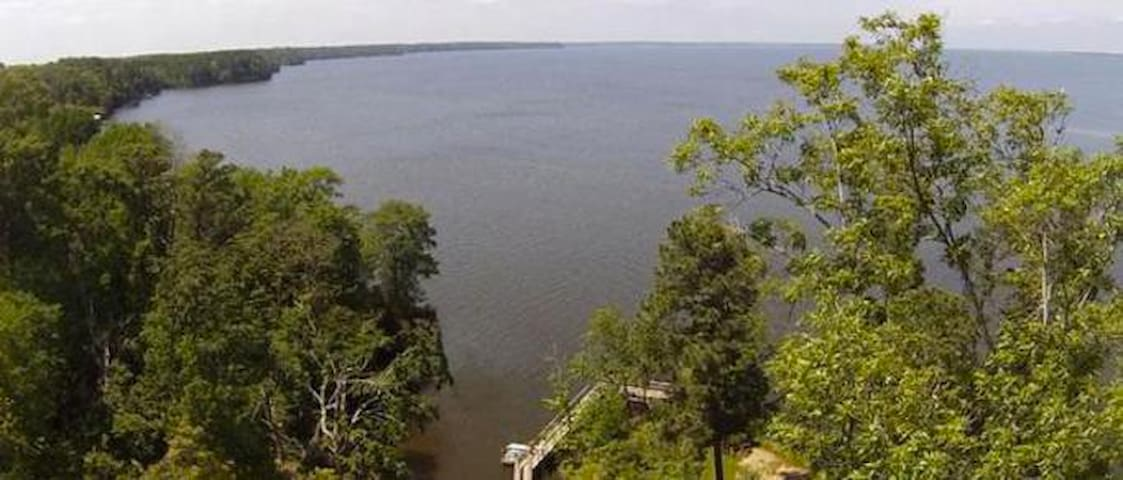 Cozy Toledo Bend Lake Cabin