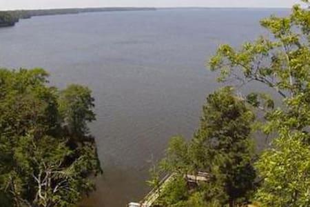 Cozy Toledo Bend Lake Cabin - Milam - Kabin