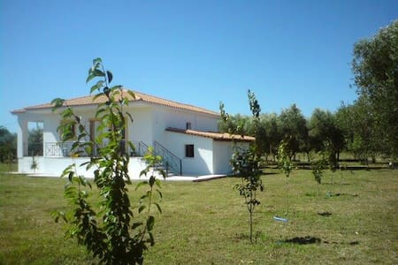 Detached house located in the rural area