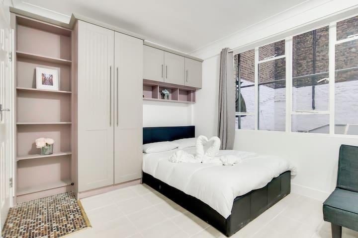 *Special 10% Off* Soho Apartments F1B