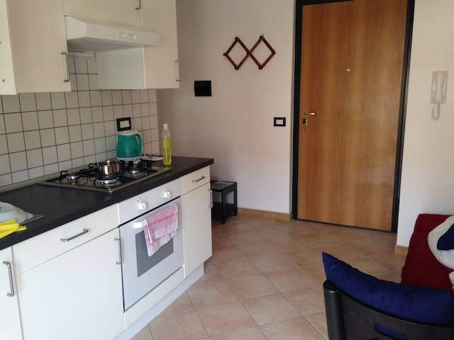 Apartment in quiet location close to the beach - Caulonia - Lägenhet