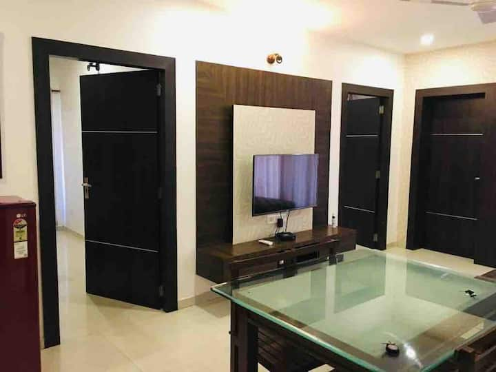 Private Family  2bhk Apartment close to Baga