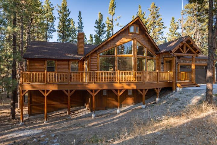 Austin's Bear Mountain Lodge - Brand New!