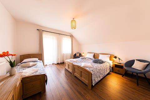 Hygge Praid-Triple room with balcony (3)