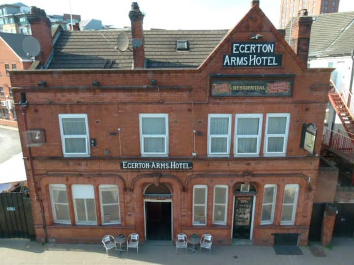 EgertonArms for6 Deansgate500m
