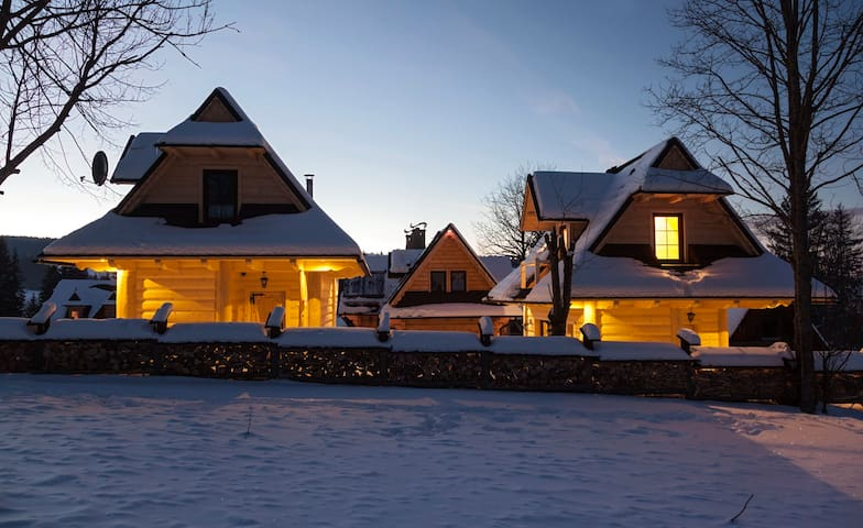 Domek.. Regionalny Przy Lesie
