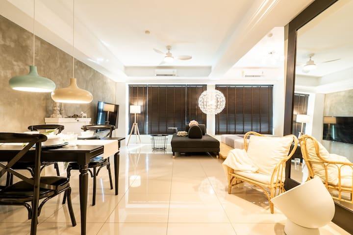 Living room/客廳