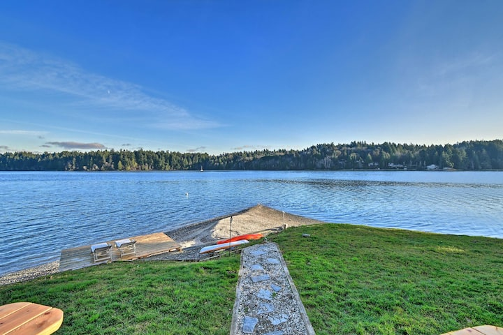 NEW! Waterfront Olympia Home w/ Kayaks & Fire Pit!