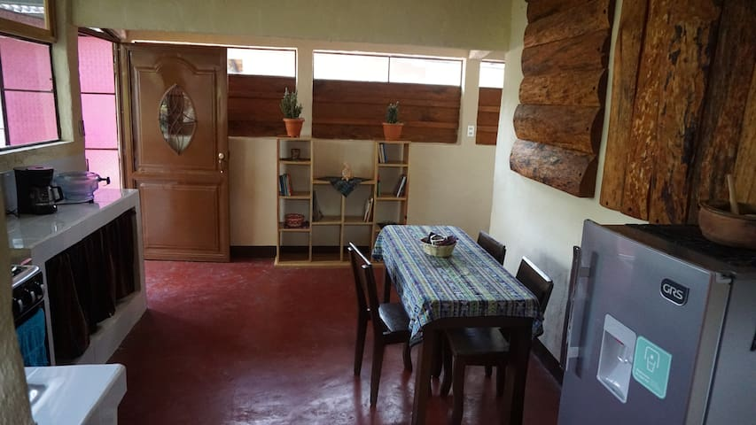 Juana's Rustic Lake House | San Pedro La Laguna
