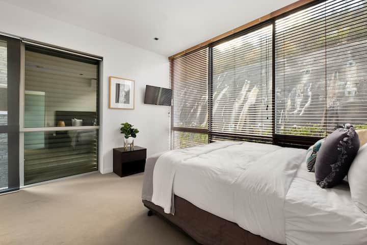 Top Floor Studio in Queenstown