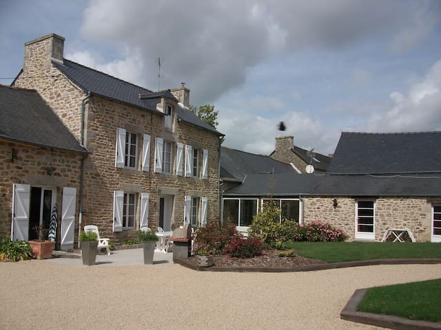 'Chambre Grany' - Aucaleuc - Dům