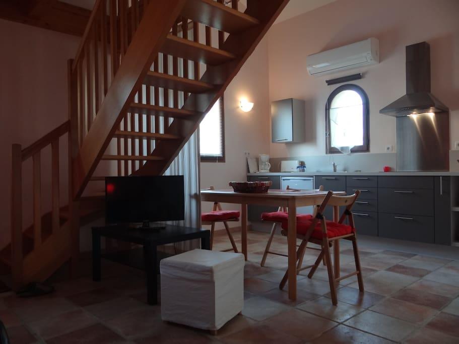 studio ind pendant cuisine quip e apartments for rent in montestruc sur gers languedoc. Black Bedroom Furniture Sets. Home Design Ideas
