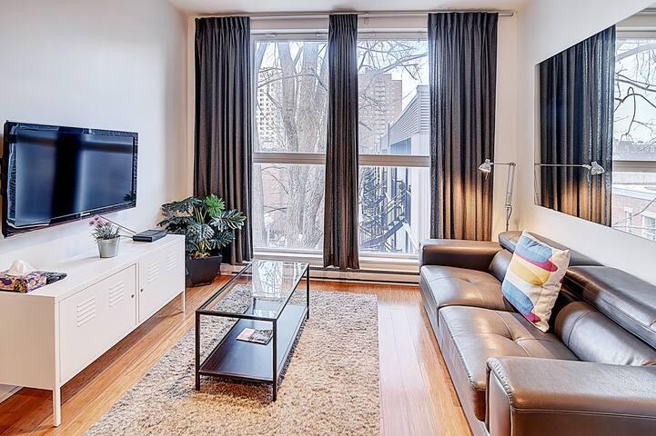Quartier des spectacles #304 -Studio apartment