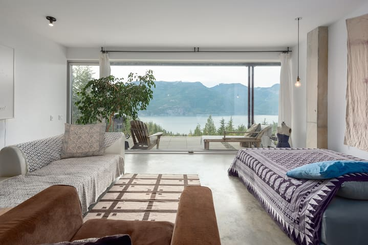 Tea Tree House with fantastic ocean view