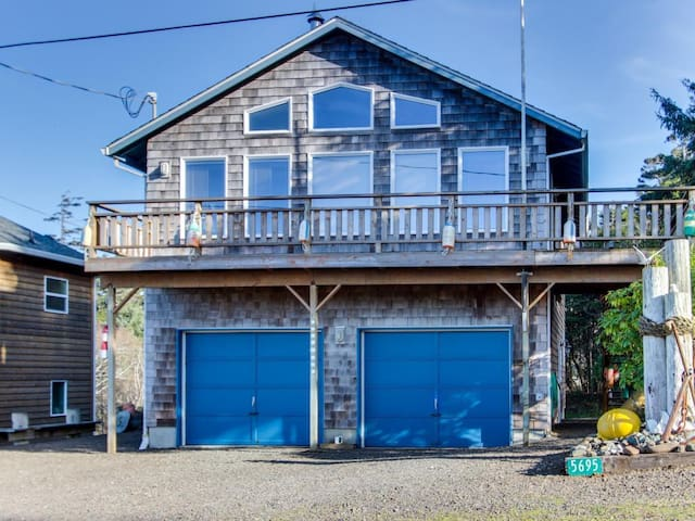 The Heron's Nest Vacation Rental - Cape Meares - Altres