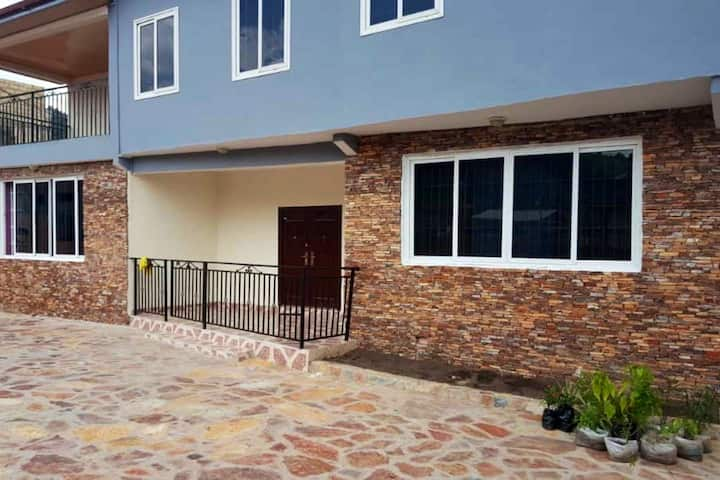 La vostra casa ! - Whole  house  +233 0502391799