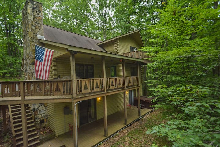Spacious Log Home Close to Deep Creek Activities - Oakland - Hus