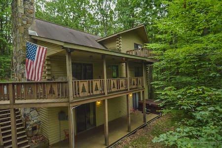 Spacious Log Home Close to Deep Creek Activities - 奥克兰 - 独立屋
