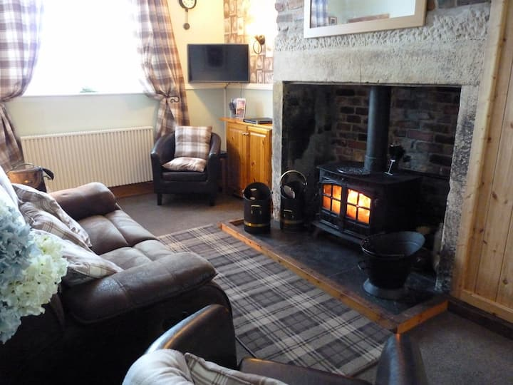 Lovely isolated cottage, Ridsdale, nr Bellingham