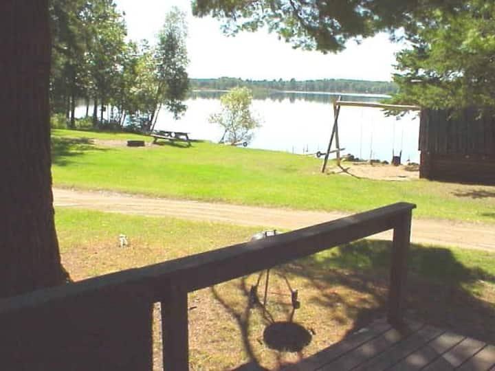 Lakeside Cabin, Big Beach, Campfire, Playfort