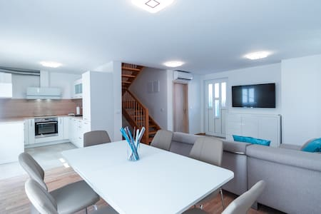 Spacious three bedroom apartment in Izola
