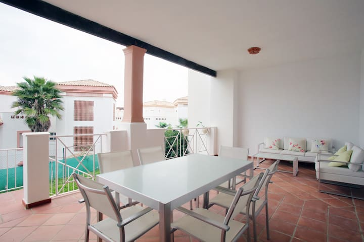 Luxury apartment : wifi, golf and beach 10 minutes - San Roque - Appartamento
