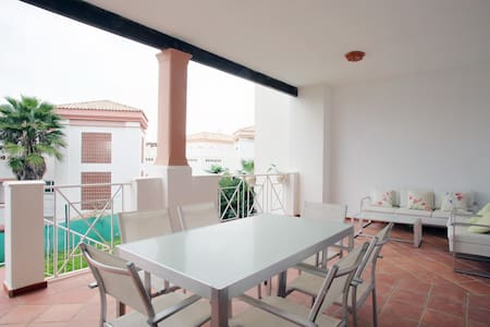 Luxury apartment : wifi, golf and beach 10 minutes - San Roque - 公寓
