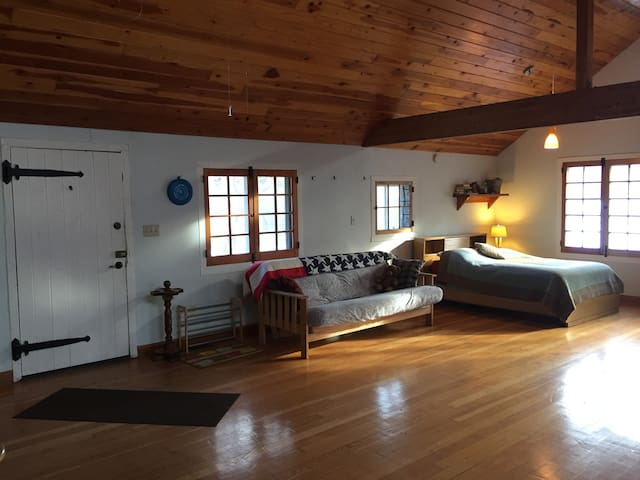 Chalet in the Kettle Moraine - Hartford
