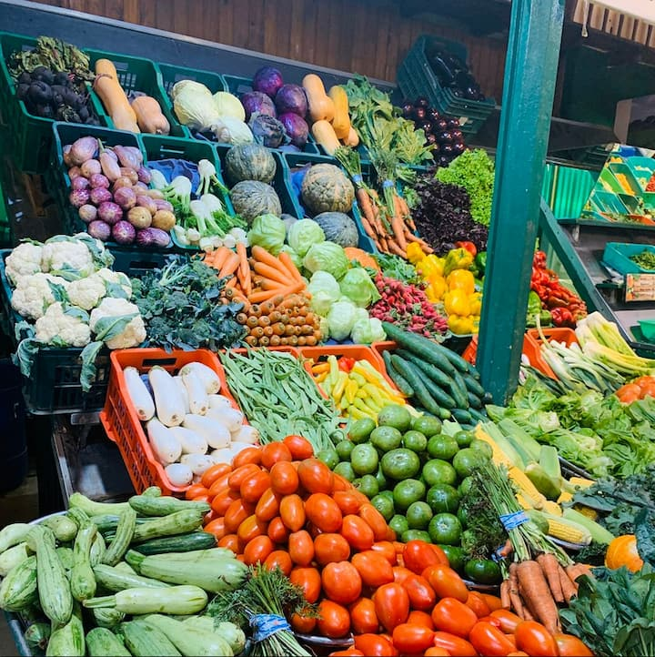 Buy fresh food in a 130-year old market