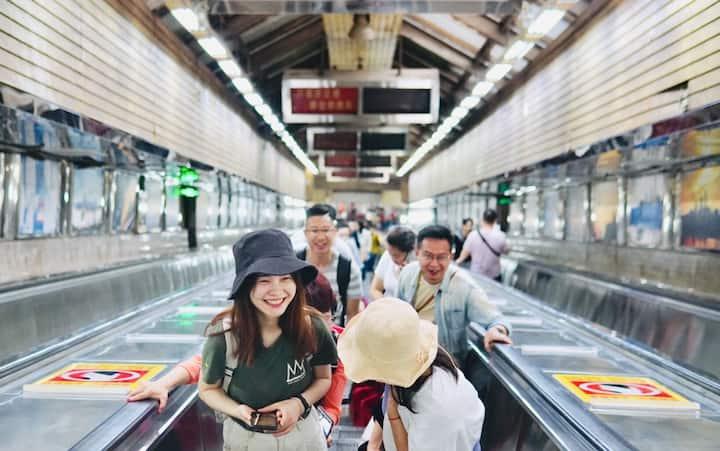 皇冠大扶梯,中国最长的扶梯,电影综艺取景地