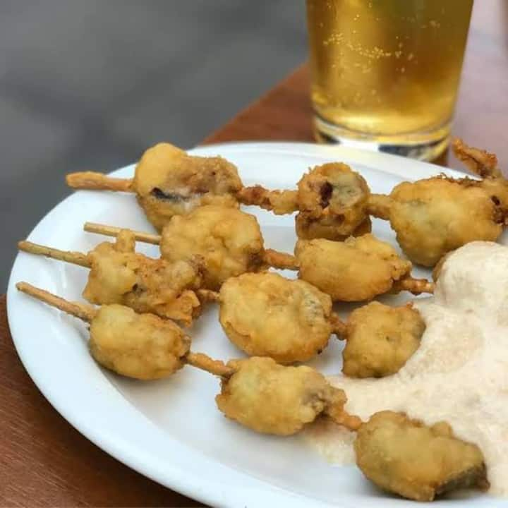 fried mussels with its special sauce