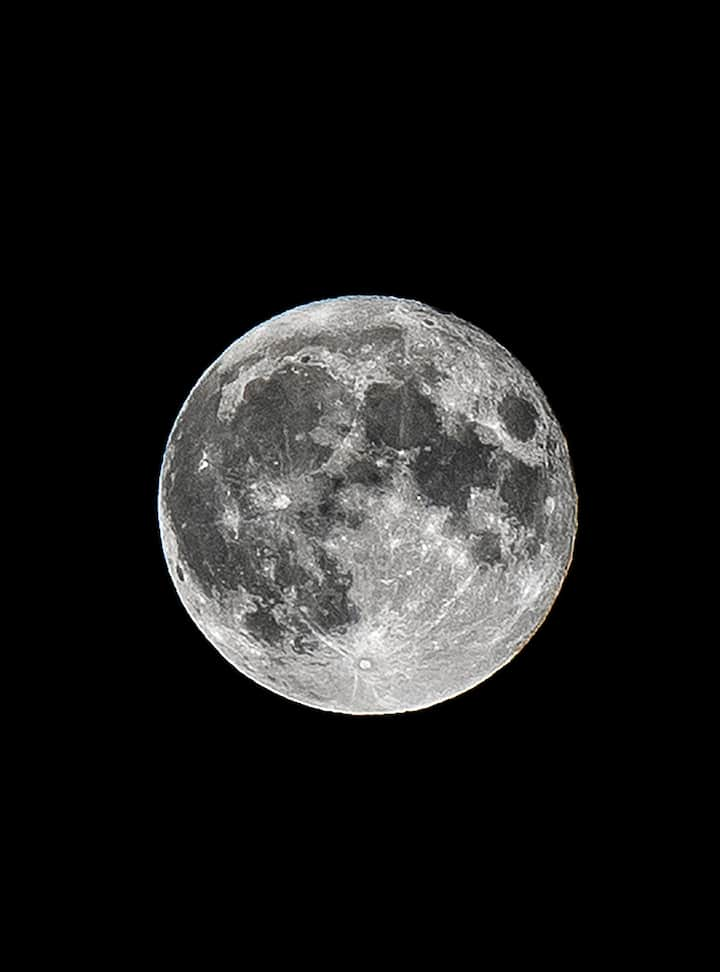 Full Moon Pictures