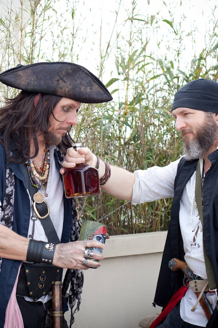 Pirate history while drinking