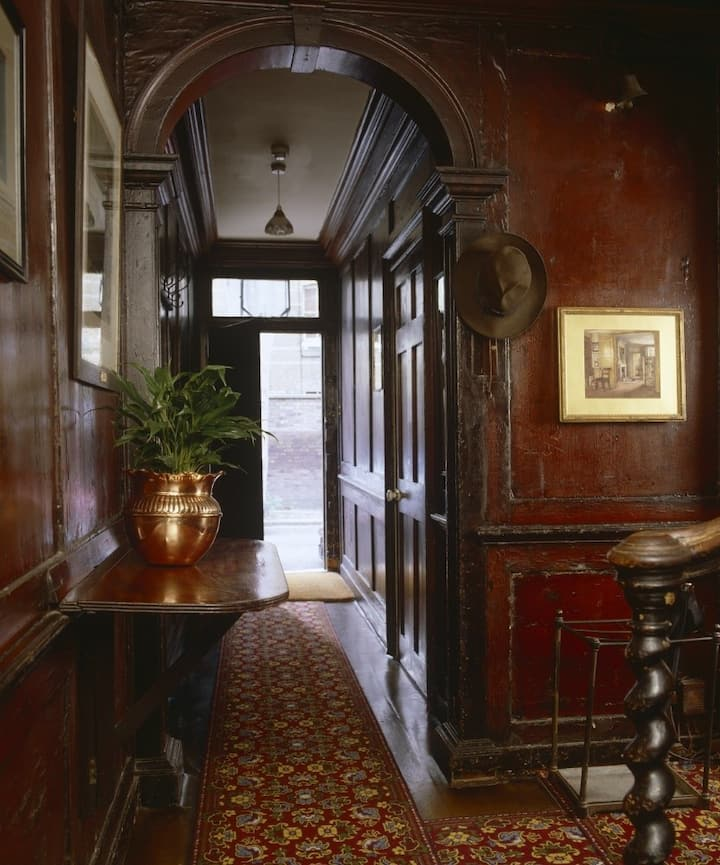 Entrance Hall Carlyle House