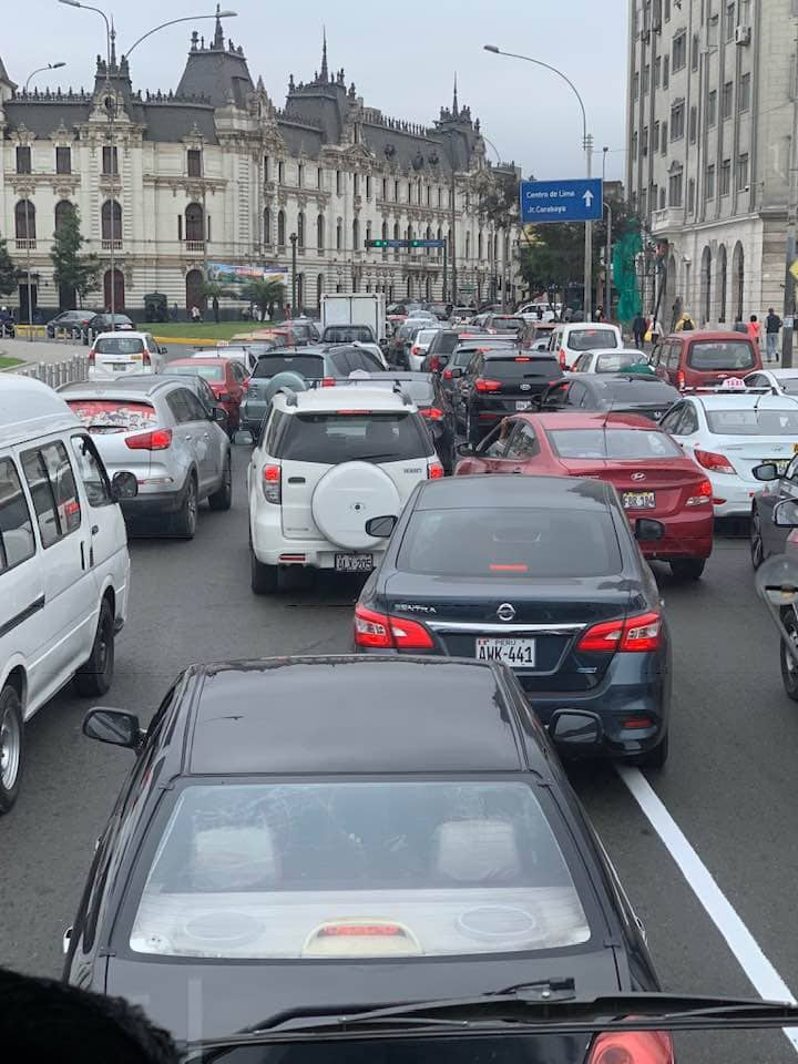 Traffic in Lima, is better to walk