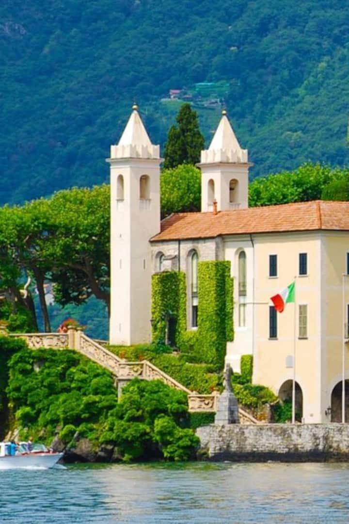 Villa del Balbianello vista dal lago